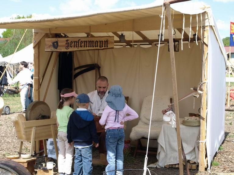 neugierige Kinder - Burgrieden 2011